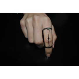 Double ring ruthenium with chain and crystal